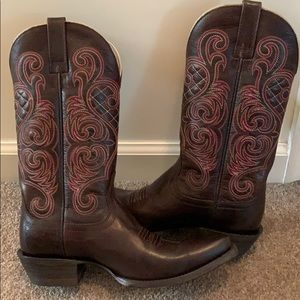 Brand New Ariat Cow Girl Boots